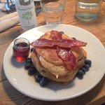 Most delicious American style pancakes with maple syrup!