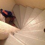 !unicas escaleras del hotel hasta el 5 piso!