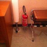 Extintor incendio dentro do quarto ???? Nunca vi isso.