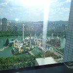 Room Overlooking Lotte world amusement park