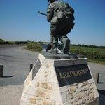 Leadership monument