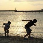 伊良湖シーパーク&スパの前のココナッツビーチの夕日