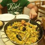 Cena a base di paella