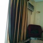 Balcón y aire acondicionado