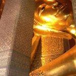 Reclining budha di Wat Pho