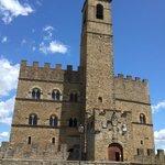 veduta del castello dall'esterno