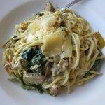 Basil Pesto Creamy Chicken Pasta (AUD16.50)