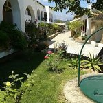 Very pretty and unexpectedly well-kept garden leading down to the beach (at the end of the path)