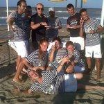 Lo staff - Dopo averci offerto la merenda sulla spiaggia.