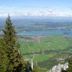 Zicht vanaf de Tegelberg op Schwangau