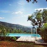 Pool mit Blick auf Cortona