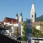 Uitzicht op de stad Brixen vanuit de kamer