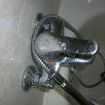 schifoso rubinetto corroso