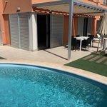 Garten- und Poolbereich