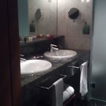 El baño de la suite