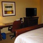 Sheraton Springfield - King Bed Room