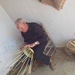 execução de cestaria com canas