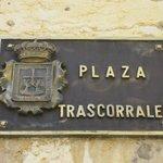 Placa identificativa de la plaza