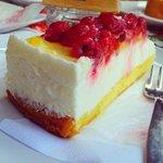 torta ricotta e frutti di bosco