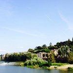 rio Arno em frente ao Hotel