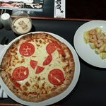 magheritta pizza and prawn with lime starter