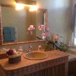 ванная комната в двухместном номере делюкс