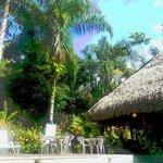 Zona de restaurant y piscina