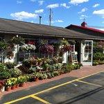 Foto van L E Huck & Sons Farm Market