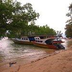 Un des bateaux de plongée