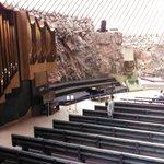 ORGANO no solo se usa para dar misa sino para conciertos.