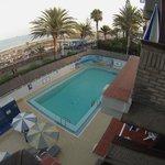 Vistas a la piscina y playa