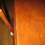 Alle Möbel in diesem Raum sind so - auch die Türen! (Schreibtisch, Stuhl)