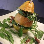 Goats' cheese, pecan and rocket Pear tree