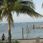Playa del hotel y muelle