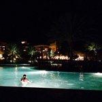 Zwembad in de avond!!!