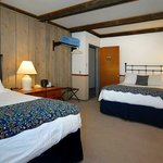 Queen and Double bed room