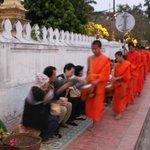 托鉢の僧侶