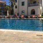 Вот так, выглядит бассейн, в дорогом пятизвездочном отеле