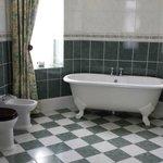 Oriel Suite Bath