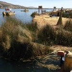 titicaca's swimming houses;UROS