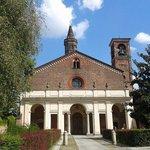 Abbazia di Chiaravalle, prospetto principale