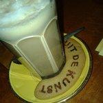 Koffie Verkeerd with home made biscuit