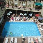 piscina molto grande