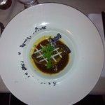 Foie gras poêlé et poires caramélisées