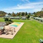 Eden Beachfront - Children's Playground and jumping Pillow