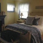 Hydrangea Guest Room