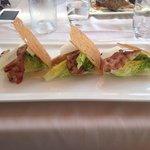 Salade sauce Caesar et Bacon