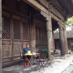 Breakfast al fresco outside the temple
