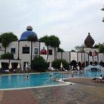 Una delle tante piscine esterne..