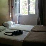 Chambre avec deux lits séparés